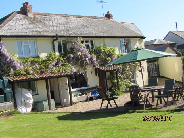 Cosy country house - Exeter - Bed & Breakfast