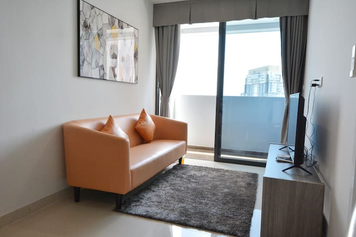 2-Bedroom Apartment Spacious & Comfy (High View)