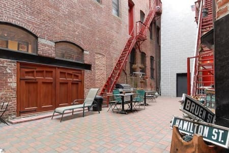 Amazing Loft steps from Newark Penn - Newark