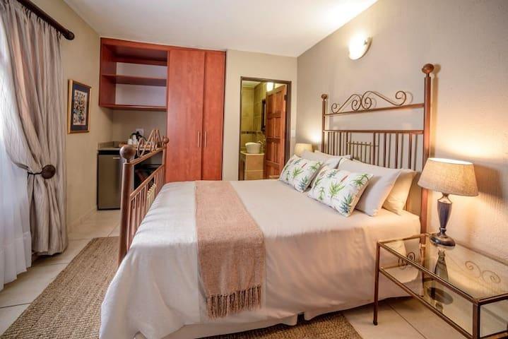 La Kruger Lifestyle Lodge - Standard Double Room