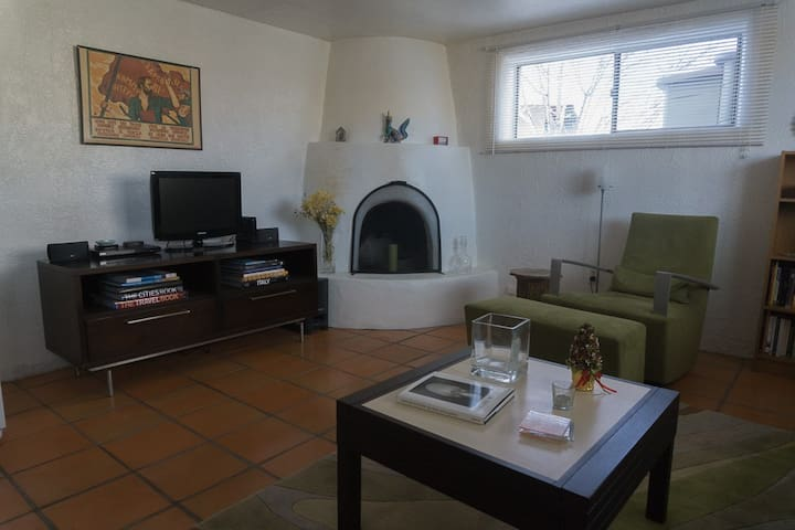 Cozy Santa Fe Casita Apartment with Patio - Santa Fe - Lejlighed