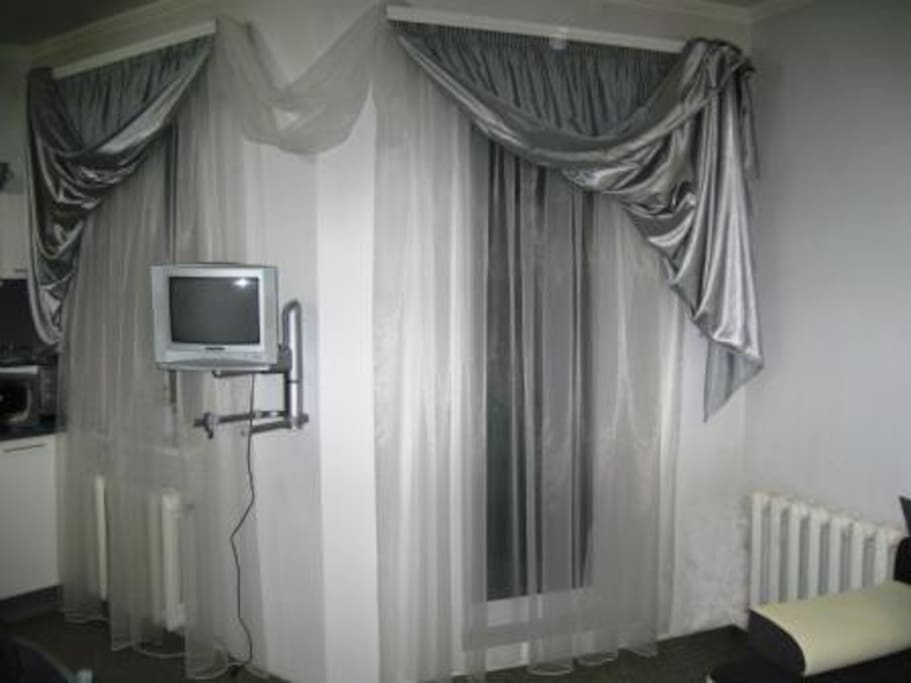 Кухня студия с выходом на балкон (вид на Днестровский лиман).