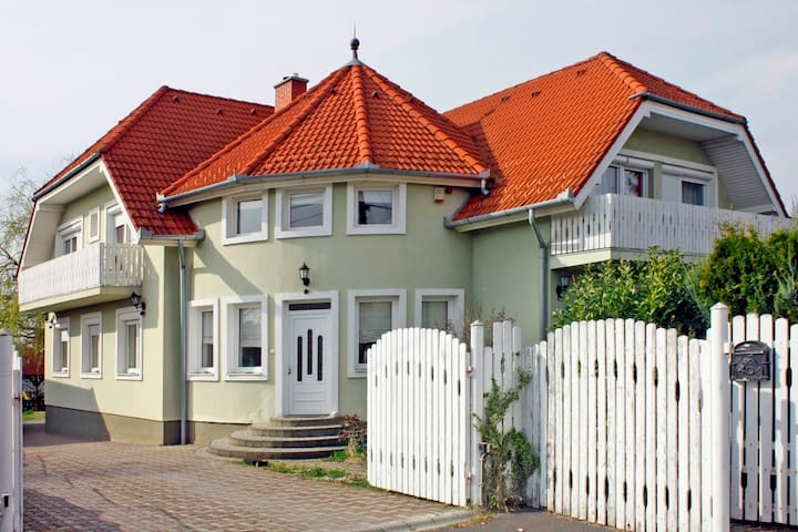 Apartman for 5 persons in quiet, nice area - Zalaegerszeg - Rumah