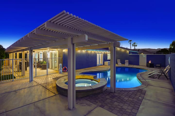 Sublime Desert Get Away W/Billiards, Pool and Spa