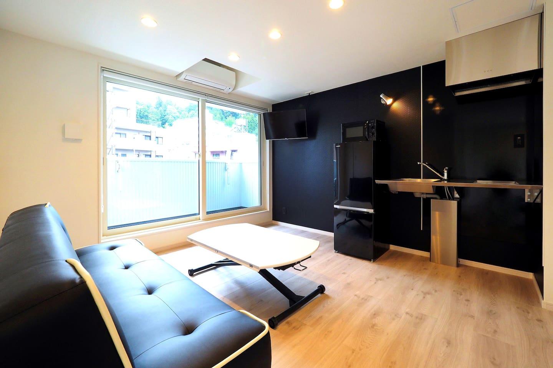 2F Living & Mini Kitchen