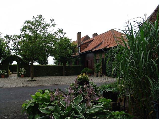 B&B De Potyze - Pagoda Corner - Ypres - Ieper - Bed & Breakfast