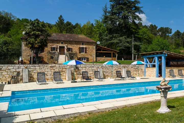 Lovely Holiday Home in Aquitaine with Private Swimming Pool