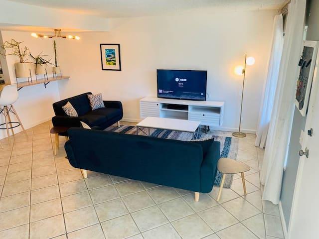 MCM design New furnishings Bright & Light & Clean