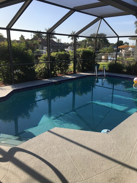 Waterfront Cape Coral Pool Home 3/2  Entire Home