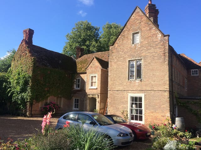 Studio flat in a Manor House