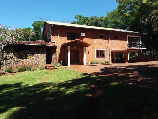 QUINTA COMPLETA en Encarnación (Full Villa)