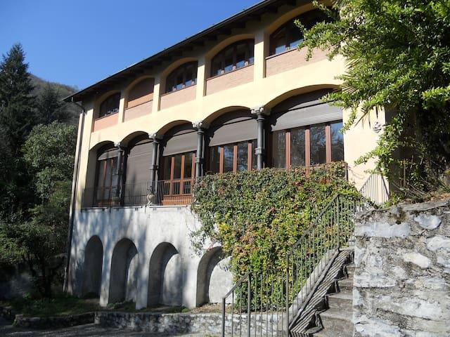 Villa Lucia with lake view, parc and swimming pool - Menaggio - Talo