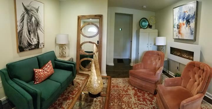Petite Country house-minutes from Charlottesville