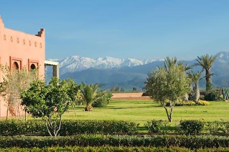 El Goute,  Beautiful 5 bed villa, sleeps 10 - 마라케쉬 - 별장/타운하우스