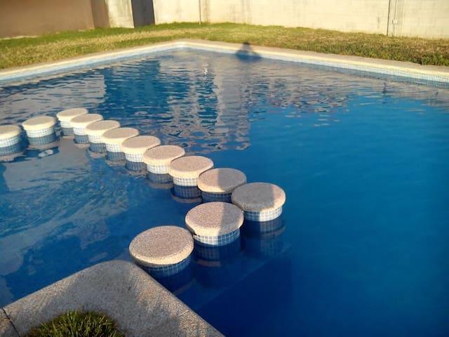 3 camere da letto e piscina Noalla