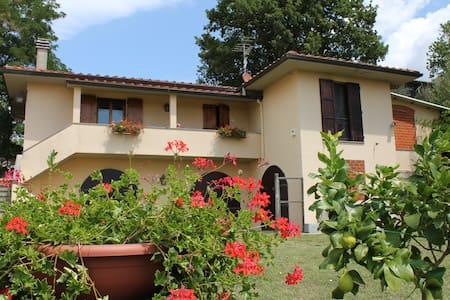 Farmhouse+pool near Florence - Rufina - Huvila