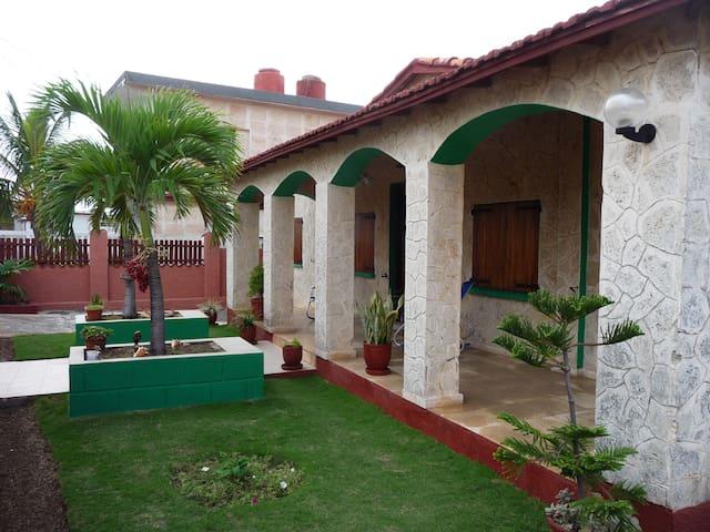 Oceanfront View 1, Villa Gabriella. - La Habana