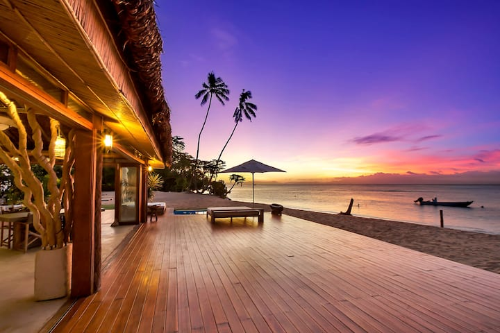 4 Luxury Villas on White Sand Beach