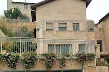 Tami & Adam's place  in Jerusalem mountains