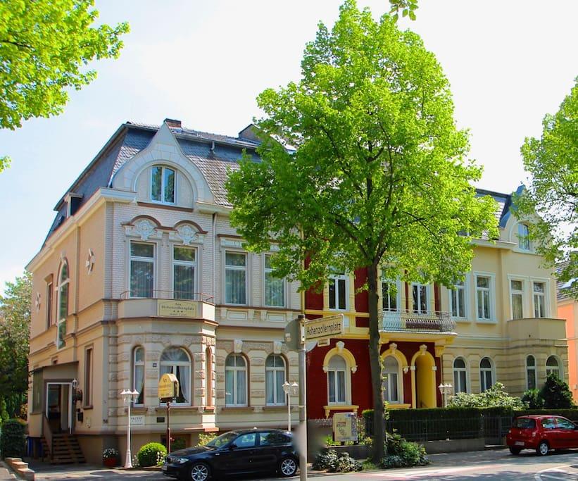 apartment im villenviertel von bonn bad godesberg hotels zur miete in bonn nordrhein. Black Bedroom Furniture Sets. Home Design Ideas