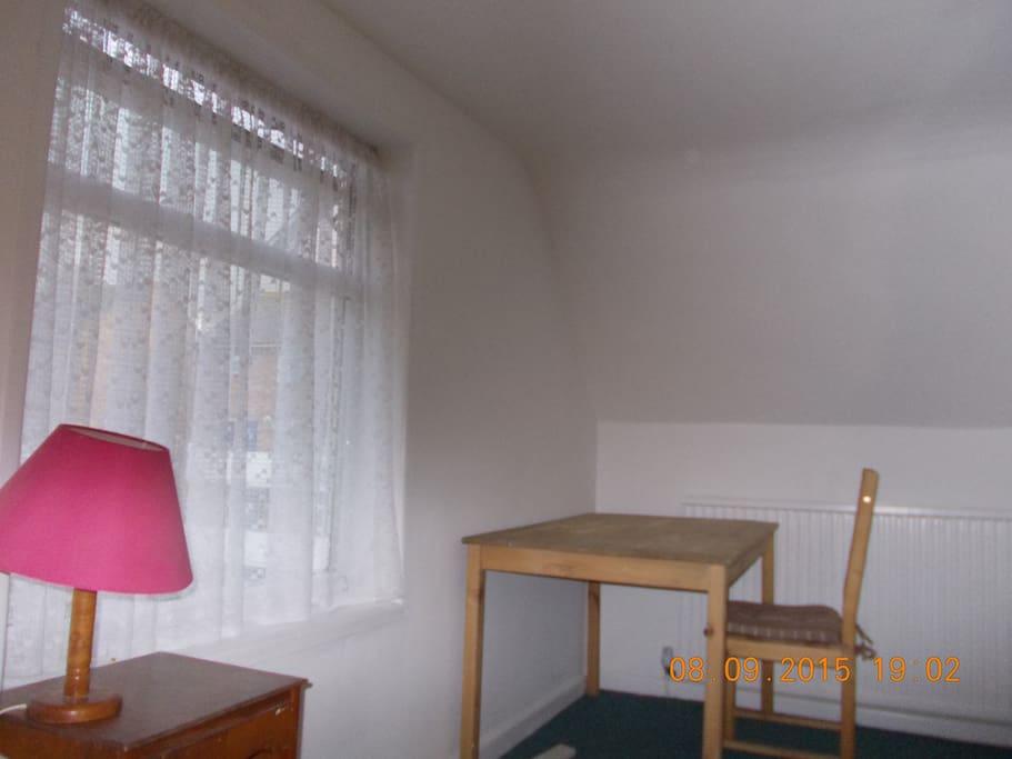 Top rear bedroom 2