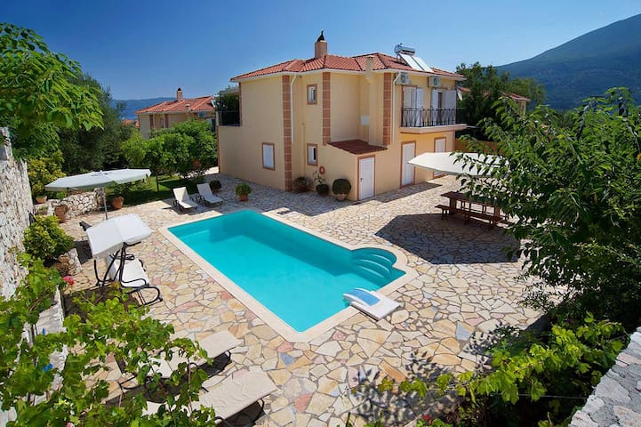 Exclusive Family Villa Karavomylos II - Καραβόμυλος - Vila