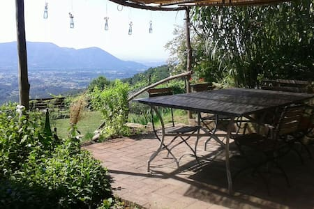 A Tranquil farmhouse Lucca - Lucca - Bed & Breakfast