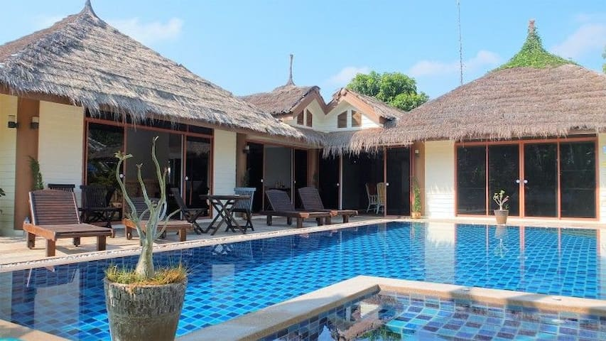 Spacious 3 bed pool villa, sleeps 9 - Hua Hin - Villa