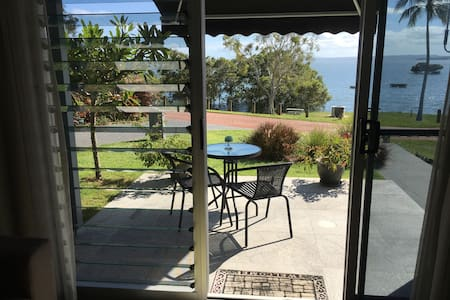 Relax by the bay - Redland Bay