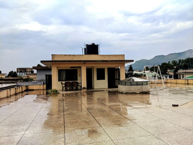 Rooftop apartment with amazing views in Jinnahabad