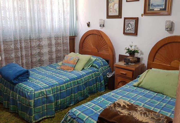 Hab. Sur CdMx, 2 camas indiv, baño privado