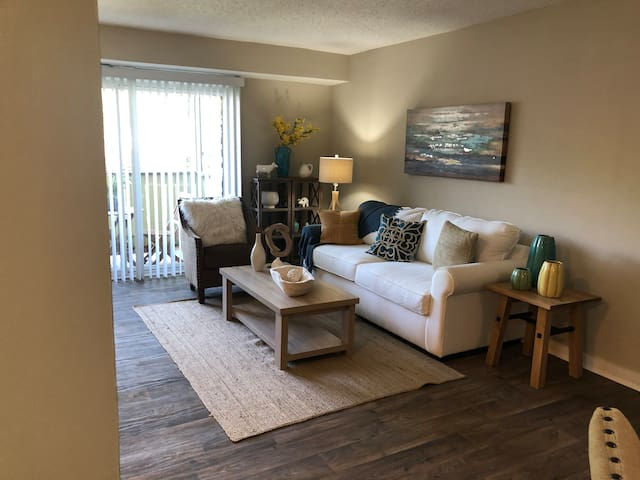 Relax and unwind in Smyrna