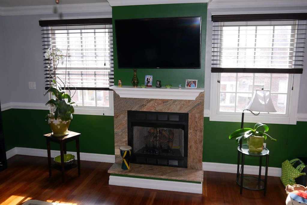2nd floor gas fireplace