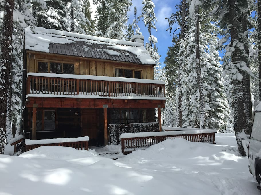 Tamarack Pines Classic West Shore Cabin Winter, Front View