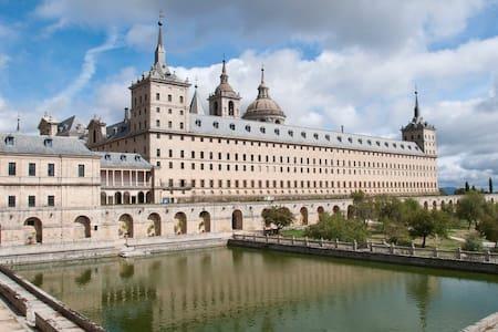 Bonito apartamento - San Lorenzo de El Escorial - Leilighet