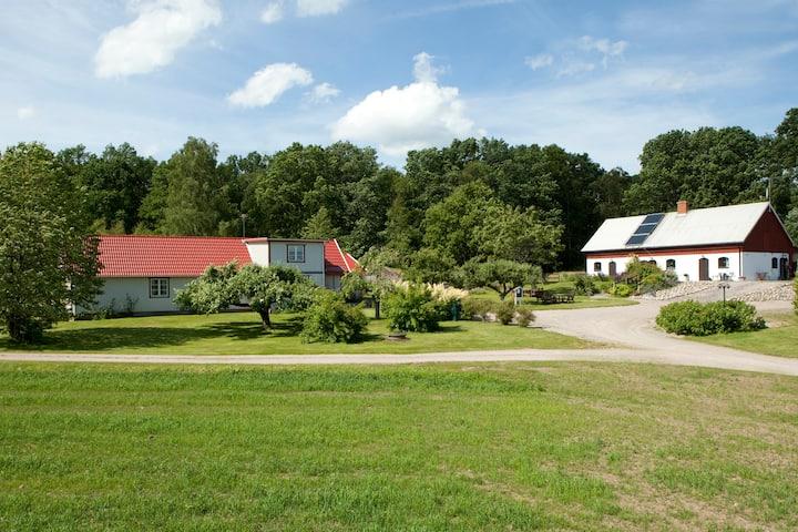 Stakaberg – lantligt boende i Holm nära Halmstad