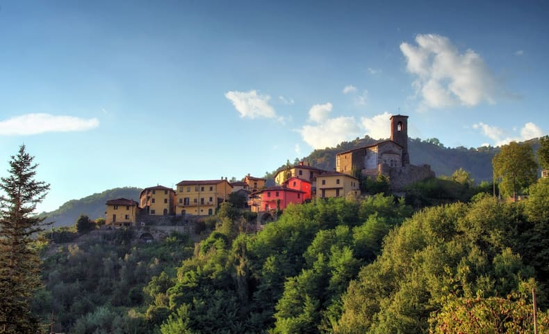Lovely get-away-from-it-all home in Tuscan village - Fosciandora - Haus