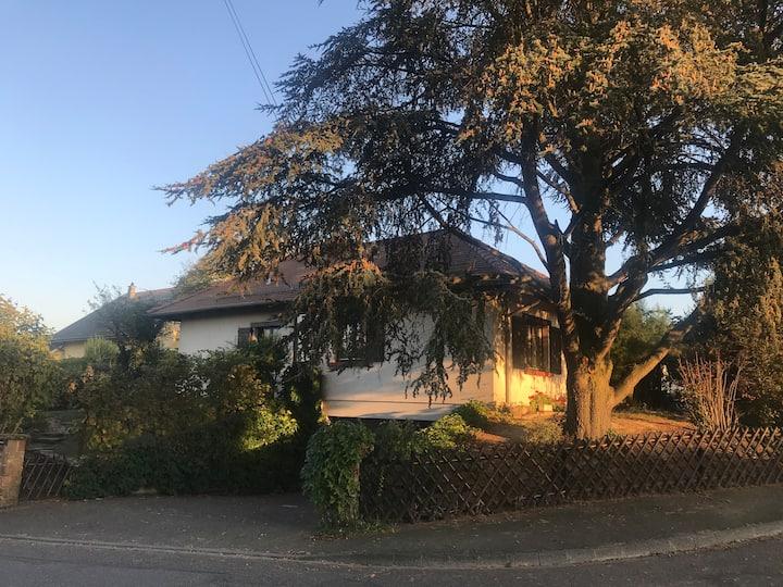 maison 2 pièces avec garage, idéalement située