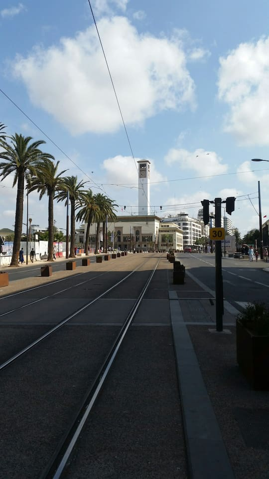2 min walk from the tram station