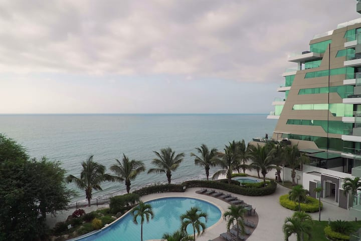 Lovely Ocean View Apartment - Great location