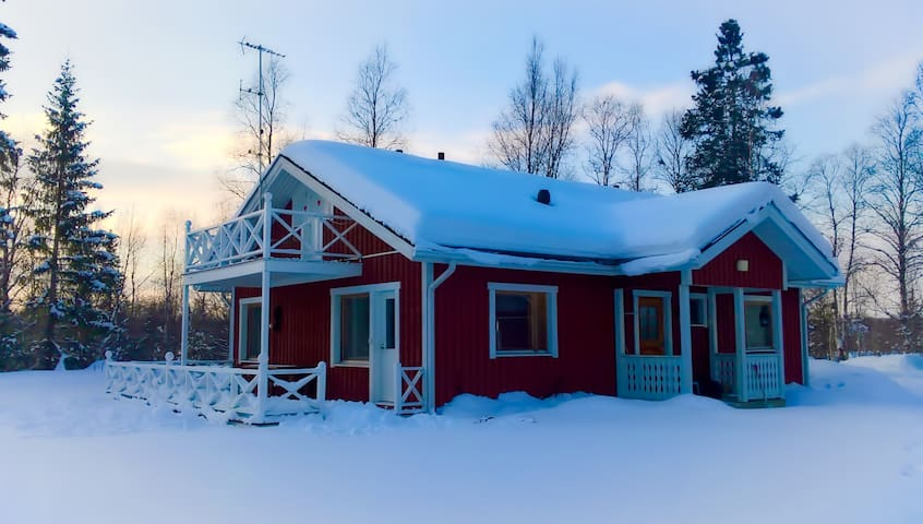 Nice house in a peaceful area, nearby Ivalo centre - Inari