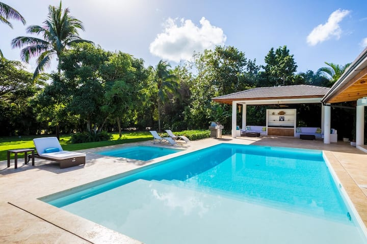 Walk to the Beach! Spacious Villa in Casa de Campo
