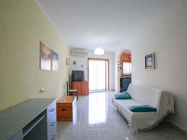 A 2 bedroom holiday apt FREE WIFI  - Marsaskala - Wohnung