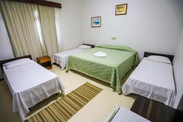 Apto 217 HOTEL RAULS em GASPAR com CAFÉ DA MANHÃ!