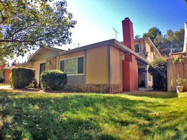 Simple 1BD Apt By Cal Expo Statefair in Sacramento - Sacramento - Wohnung