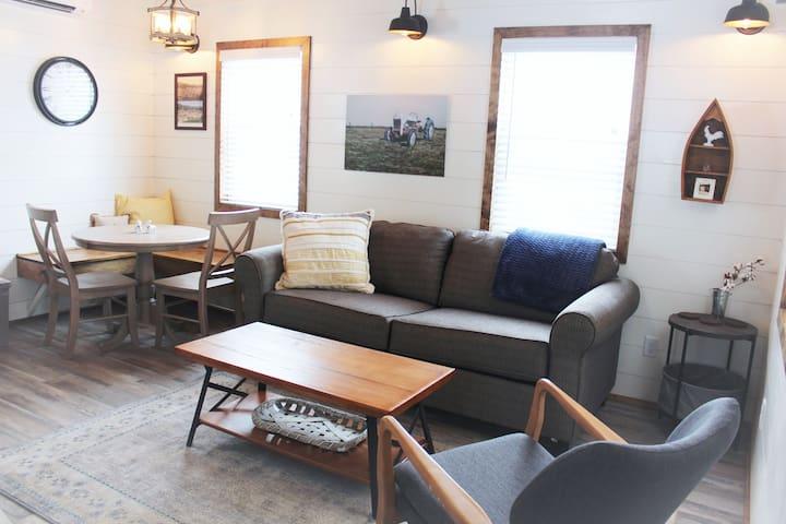 Farmhouse Cabin in the Black Hills (Cabin 3)