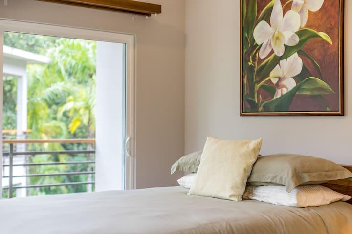 Casa Seascape to Pura Vida, 3 Bedroom Condo