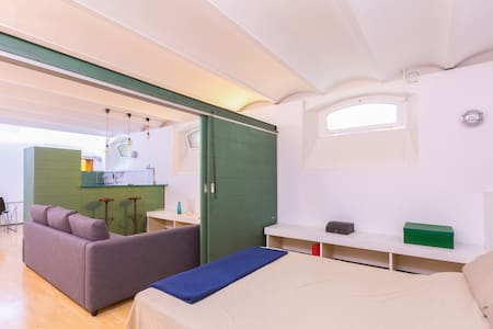 ★★★★★ (A4) Cool loft in Barcelona Upper side !! - Barcelona