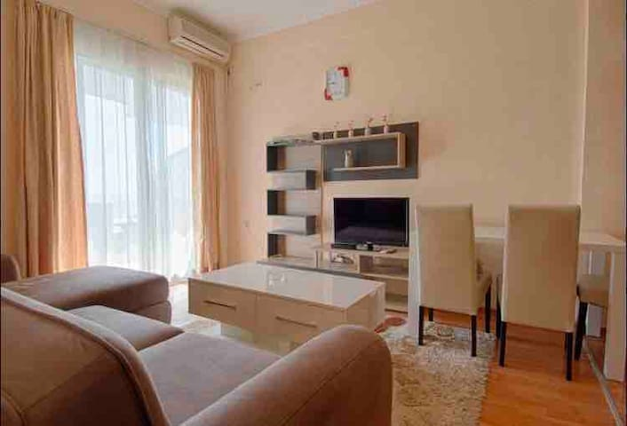 Apartment 45sqm/ from beach 150m/from town 10km