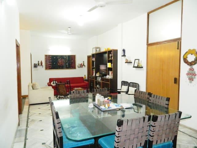 Amritsar Bed & Breakfast (4-6 pax) Bfast included